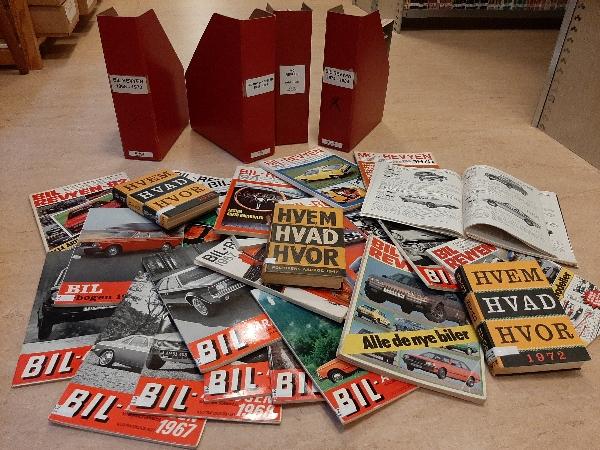 Med hjælp fra Dansk Veteranbil Klubs store bibliotek har vi fundet frem til et væld af nybilspriser